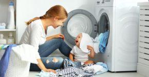 spalatul corect al hainelor bebelusului